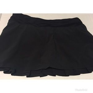 Lululemon athletica black pace setter skirt size 6